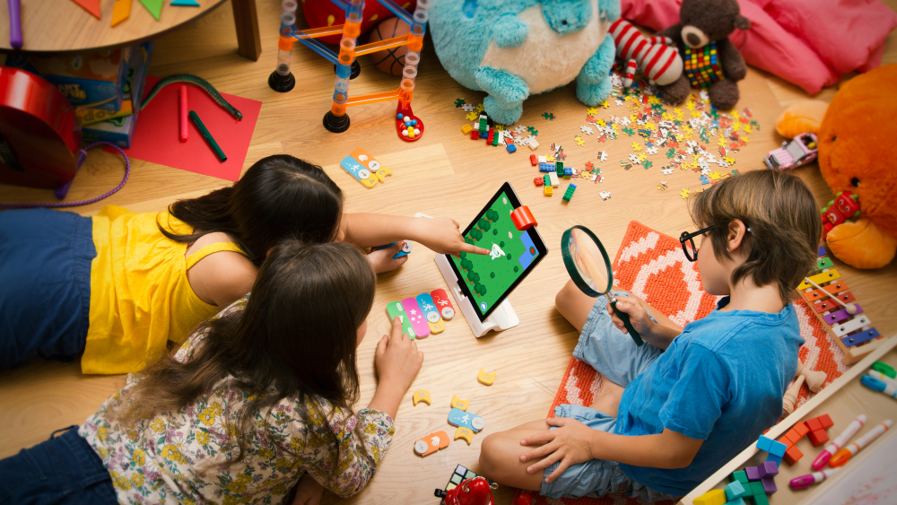 copy-of-osmo-coding-group-messy-floor-1